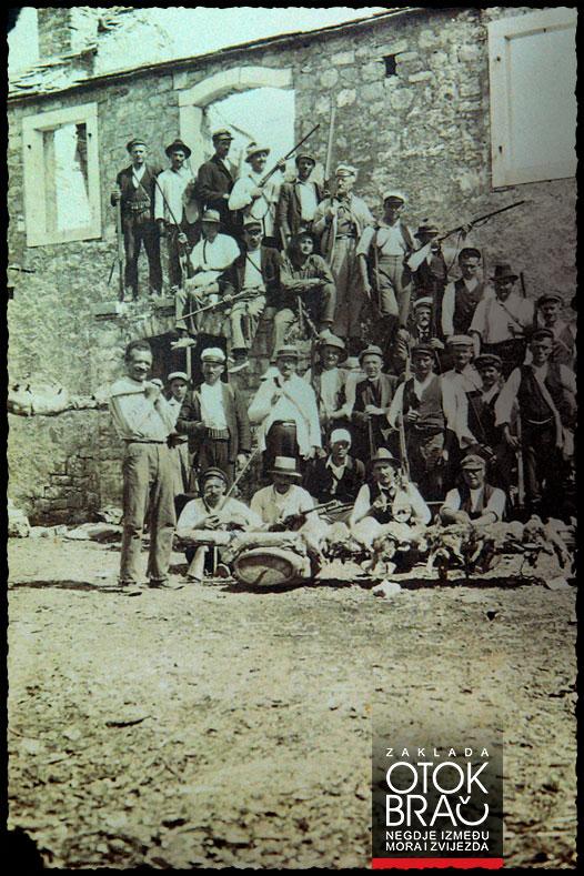 Lovačko bračko društvo 1925. godine na Vidovoj gori